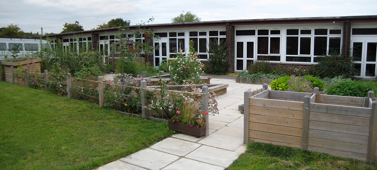 Accessible Kitchen Garden, Leeds School - Leeds Garden ...