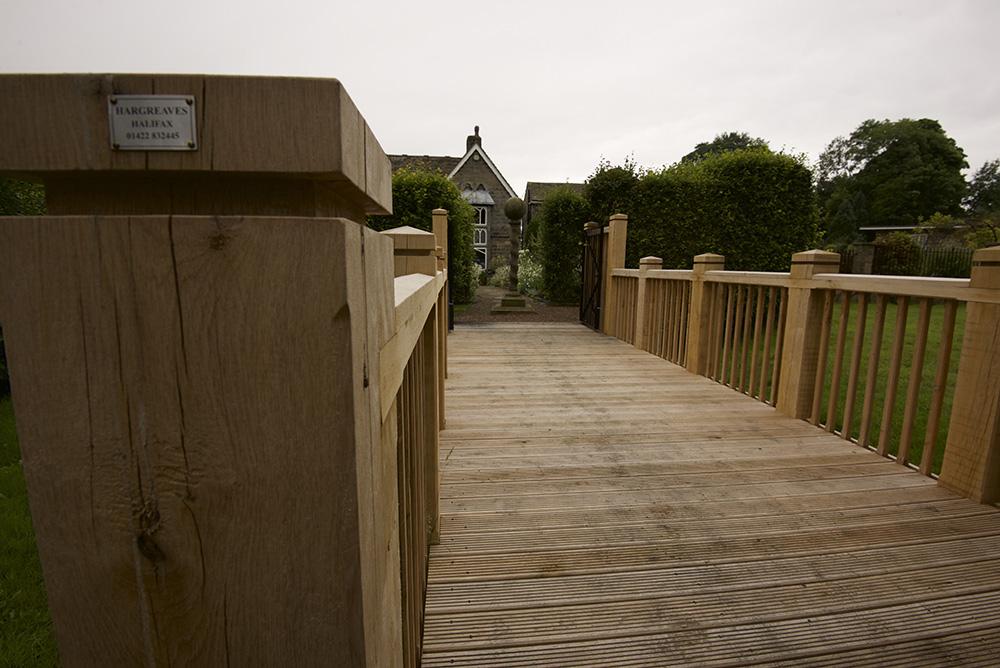 Bridge york gate garden essence garden design for Garden design york uk