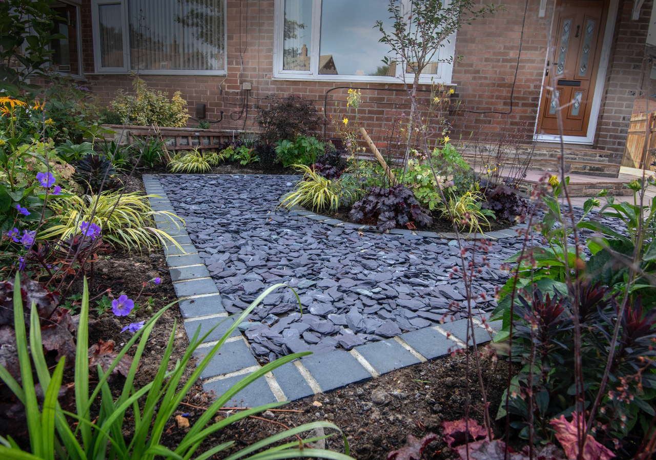 Garage and Gardens, Cookridge, Leeds | Leeds Garden Designer